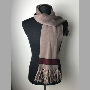 Anne Klein by Aris wool scarf with fringe